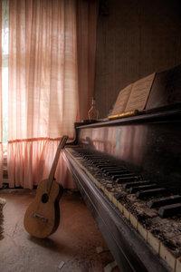 Pianoroom close-up