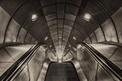 Metro sepia