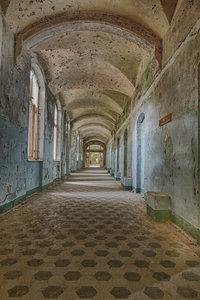 Chambers of silence